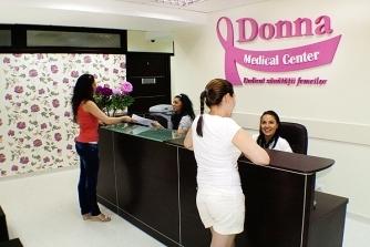Receptie Donna Medical Center cu pacienti