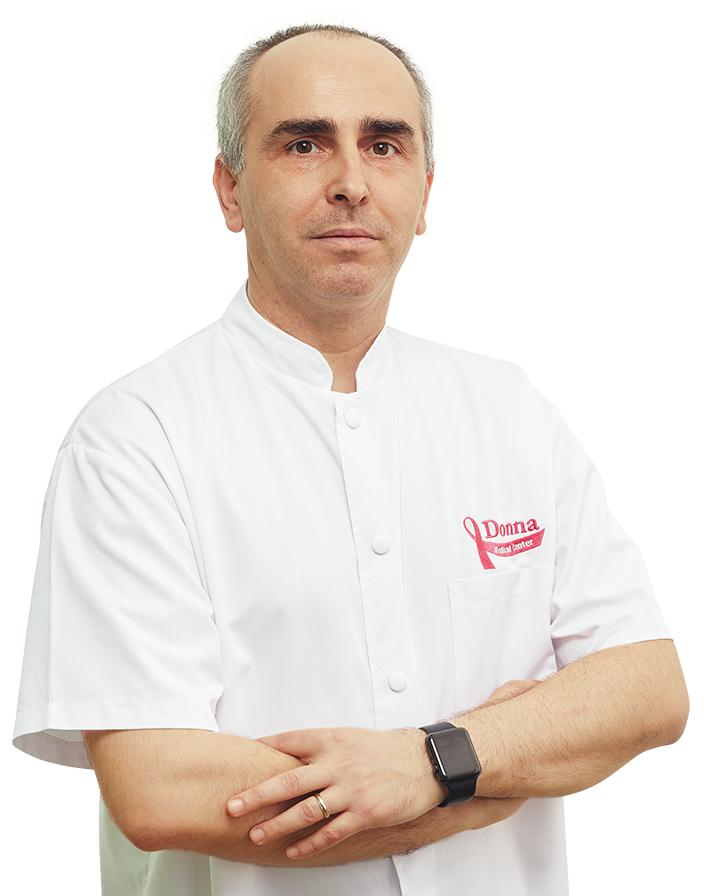 Dr. Dragoș Median